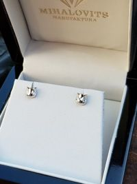 whitegold diamond earrings