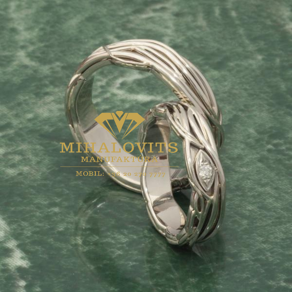 solid-colored-wedding-ring-38